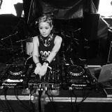 Blissout 2015 : Sianna Sherman Yoga ft Amanda Ling ( Live Yogabeats Mix)