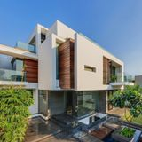 TECH VS HOUSE