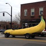 Garrett and Karl 2033 - Yellow apples and green bananas
