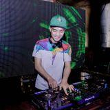 Chúng Ta Không Giống Nhau - DJ Tú Mix