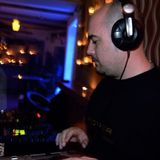 This is HOUSE i FEEL 001 ...Dj set by Giannis Liolias ( POWER 100.2 )