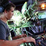Oktober mix-DJ Peuluh
