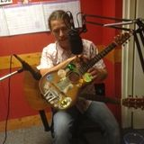 Blanty, his tea chest guitar, Dolly Parton and The Smiths with Radio Dacorum's Sarah Lowther (31/8)