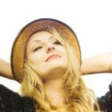 This week on the show, Ian Shaw is chatting with one of the UK's finest musicians, Alice Zawadski.