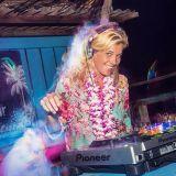 "Hang Out Beach Party ""live recording"" DJ Annemiek"