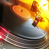 Warm up set - 45 mins of the very latest groove house and Nu disco, 320 KBS,