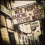 Nice people dance to good techno music EP09