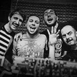B-Side Vinyl Quartet - Screamin' Loud