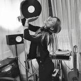 Radio Noise 773 - Renata Carnovale (Brazil)