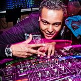 DJ Max Mix > Klubbangerz #1 Remixes & Biggest Hits All Mashed Together Into One Continuous Party Mix