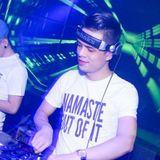 (7/4/2019) Fullset Zinxu ft. Banana & Chuối Tây - DJ Anh Dũng Remix. (48.4MB)