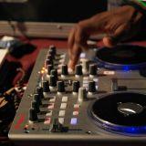 "Dj Kofi-M ""Hio hip hop vibes in my House"""