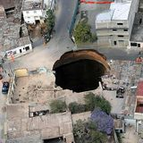 Episode 8: What happens when you jump into a hole that goes through the center of the earth?