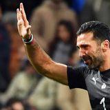 El momento del fútbol: Buffon out.