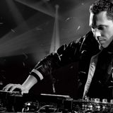 Tiësto's Club Life 90's Mix - Hour 2