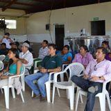 Entrega de insumos para el Centro de Acopio Lechero de San Salvador por el Magap