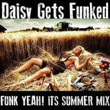 Daisy Gets Funked - Low Slung Summer Funk Grooves Mix (live@private party)
