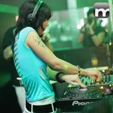 Miss Duckin-liveset-11-07-13-mnmlstn by minimalstation