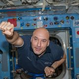 AstronautiCAST 11×33 – 50 sfumature di regolite