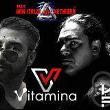 III ATTO VITAMINA V - APOLOGIA DELLA MUSICA  ⚜ VITAMINA V ⚜ FORMA IL QUADRATO ⚜WIN ITALIA DJ NETWORK