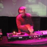 DJ GEDGE - FASTEN UR SEATBELT MIX APRIL 2011