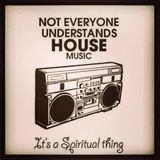 21 MINS OF HOUSE MUSIC ALL NIGHT LONG.