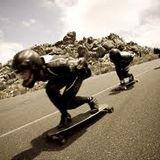 Uno skateboard per surfare sull'asfalto