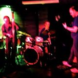 Glowering Figs live at Zero Wave - First
