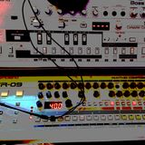 my first touch  // Roland TR 09 \\ solo run