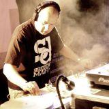 DJ Gladiator Serato Mix on 3 Decks!