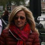Mona Van Den Bergh