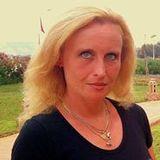 Daniela Larry Vekdan