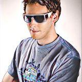 DJ Tom Bola