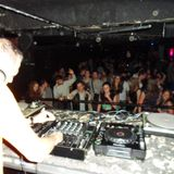 Breakbeat mini mix (10-April-2005) - by Adambreaks