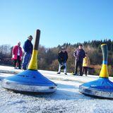 Das Eisstockschießen - Ein Wintersport mit Tradition - und ohne Zukunft?