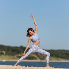 152 / Dosist Venice Deep House and Binaural Beats Yoga Class w Lindsey Valdez