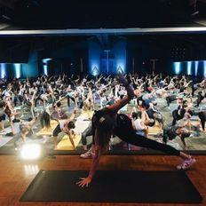 157 / Hip Hop Yoga w Janet Stone Wanderlust Whistler 2019