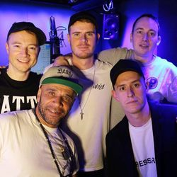 The Final Show - 01 - Friction b2b Wilkinson featuring MC Linguistics @ BBC Radio 1 (31.10.2017)