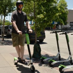 How electric scooters are changing cities: Podcast 393