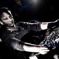 Brian Sanhaji Live @ Plattenbunker Night - Elektrokche,, Germany (30.12.2013)