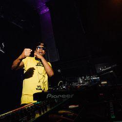 DJ Funk (Ghetto House Legend, Dance Mania) @ Revolution 808, Petit Bain - Paris (04.11.2015)