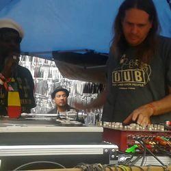 Tippa Lee w/guests Naram and DJ Red Robin – Meditation of Sound (05.03.17)
