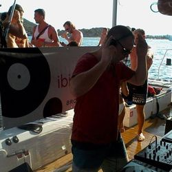 GREG VICKERS - TRIBAL SESSIONS @ CIRQUE DE LA NUIT BOAT PARTY - 20TH JULY 2014