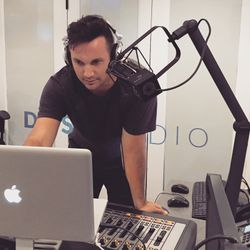 Show 045 - Dan in the DJ Mix - New Tom Misch, Alessia Cara, Zak Abel, Jagwar Ma, Romare - 8.30.15