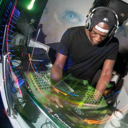 Fabio feat. MC Flux (Creative Source, Ministry of Sound) @ Kool London 94.6 FM - London (30.04.2015)