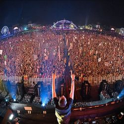 Kaskade - Live at EDC Las Vegas 2015 - Kinetic Field 6.20.2015