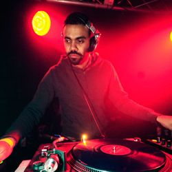 Another Amit (Man Make Music) set in room 3 @ EE NYE 2010 - exclusive 2 1/2 hour set.