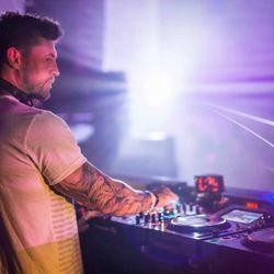 Cristoph (Suara, Last Night On Earth, Bedrock Records) @ Mixup Exclusive, Triple J (09.12.2017)