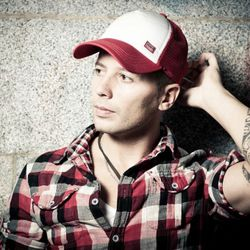 Danny Serrano - Exclusive Mix - CLUBZ