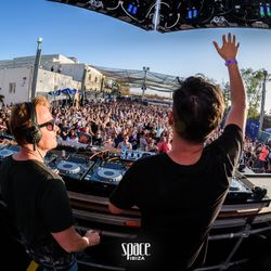 Camilo Franco b2b Oscar Colorado at Space Opening Fiesta 29.05.2016